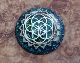 Flower of Life Sacred Geometry Meditation Dome Green/Turquoise Soul-Antenna Crystal Ormus Orgone Energy Pendant Necklace 35mm Ocean Water