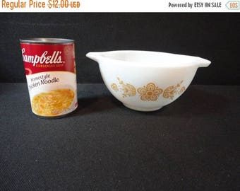 On Sale Vintage Pyrex Butterfly Gold Cinderella No. 441 - 1 1/2 Pt 750ml Mixing Bowl