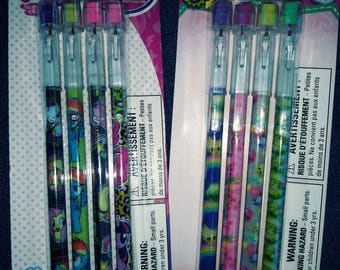 Shopkins , My Little Pony ,or Despicable Me 4 packs of pop-up pencils black lead