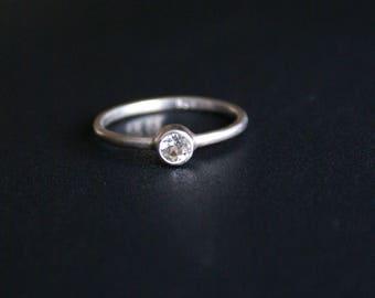 handmade: engagement ring satin, 4 mm white Topaz (925)