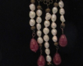 Pearl and quartzite necklace