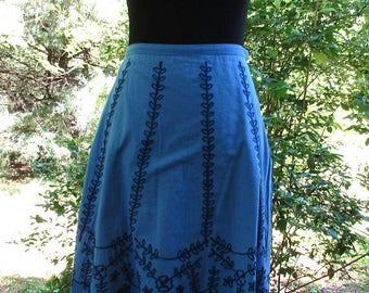 VINTAGE BOHO SKIRT, Embroidered Cotton Skirt, Blue Gauze skirt, Hippie Gypsy Peasant skirt, blue festival skirt, patio skirt, blue midi, M