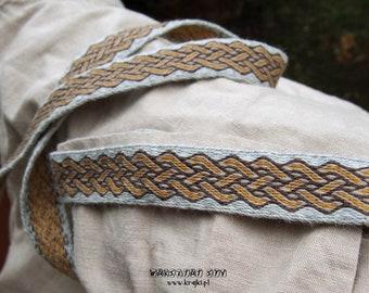 Woolen trim, tablet woven, viking trim, card woven band, woven braid, brettchenband, SCA, reenactment, medieval trim