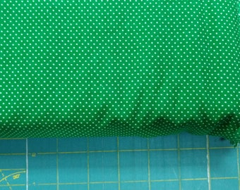 Green fabric. Lots of Dots circles polka dot quilters cotton quilting 0555