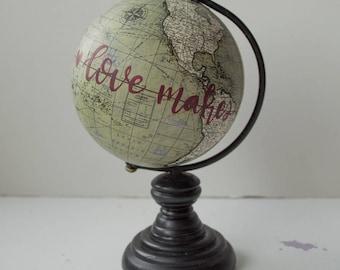 Love makes the world go round, Baby Globe, Gray