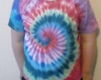 Rainbow, Hippy Tshirt, Tie Dye, Kid's Shirts, Gift for Boys, Gift For Girls, Hippy Clothing, Hippy Gifts, Rainbow Shirt