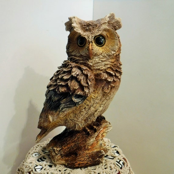 Vintage Owl Statue, Realistic Owl Statue, Owl Decor, Owl Figurine, Resin Owl Look Of Wood, Owl Decor, Porch Decor, Lake Home or Cabin Decor