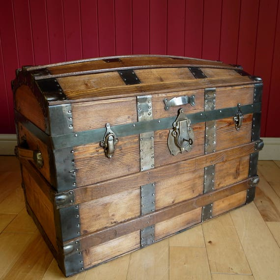 ANTIQUE VICTORIAN TRUNK Dome Top Steamer Trunk Vintage Storage Chest Reclaimed Rustic Wooden Trunk Blanket Box