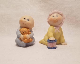 CABBAGE PATCH KIDS Porcelain Figurines Boy Girl Teddy Bear Pacifier Nursery Set of 2 Vintage 1984