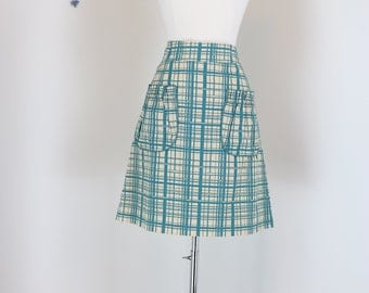 "90s Does 1950s Skirt - Plaid A-line Skirt - Front Pockets - Exposed Zipper - Cream Green - Mad Men Style - Size 28"" Waist - Size Medium"