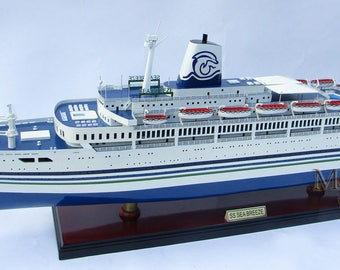 "SS SeaBreeze Ocean Liner Wooden Ship Model 34"" Scale 1:212"