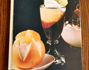 The Desserts Cookbook: A Southern Living Book Vintage 1976 Recipes