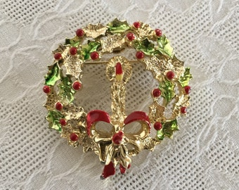 Christmas Holly and Ivy Wreath Brooch Pin