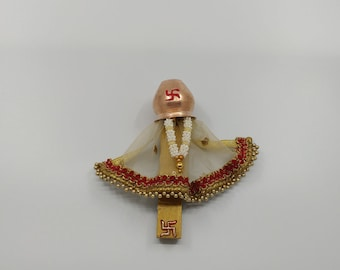 Mini Gudi Magnet in Golden Net Fabric