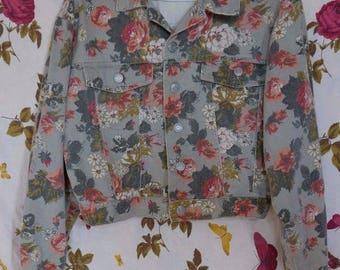 Vintage 1980s 90s cropped floral fawn print denim jacket S-M