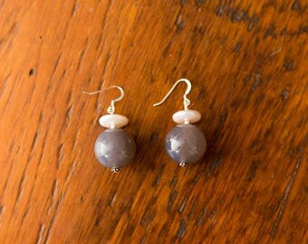 19mm Grey Agate & Freshwater Pearl Earrings