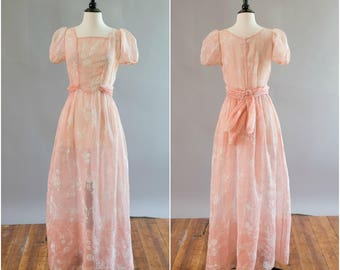 Vintage 1930s sheer blush pink printed Organdy gown with dainty flowers