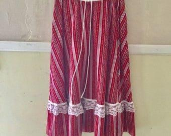 Vintage 1970s Genuine Gunnie Sax Red Calico Skirt Size 7