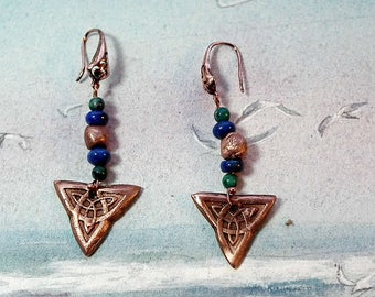 Celtic earrings : handmade copper Trinity knot , copper+Azurite & lapis lazuli beads or  other gembeads on choice