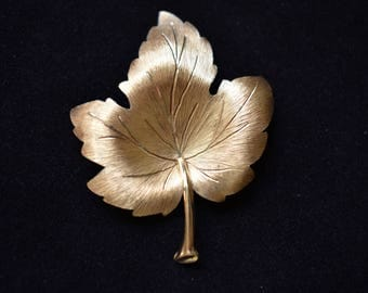 Vintage Mamselle Maple Leaf Brooch Coat Sweater Pin Signed Retro Mid Century Fall Autumn Costume Jewelry 2""