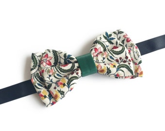 """Floral Tropical Green Pre Tied Bow Tie """"Koch"""", Best Handmade Gift for Men, Weddings, Birthday, Valentines Day"""