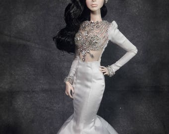 """GLAMOROUS GIRL - Fashion for Fr2, Barbie, Silkstone and same size 12"""" doll"""