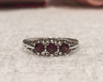 Absolutely Delightful ENGLISH Vintage Sterling SILVER Ring with Three GARNETS-Hallmarked for Birmingham 1988-Uk Size L-Us 5 1/2