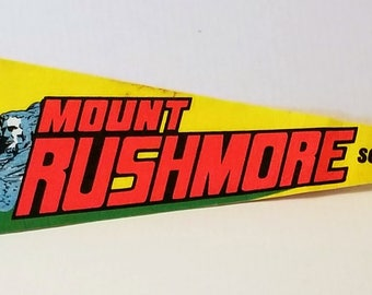 Mount Rushmore - Vintage Pennant
