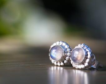 Moonstone Ear Studs // 925 Sterling Silver Stud Earrings // Moonstone Earrings // Moonstone Post Earrings // Gemstone Stud Earrings