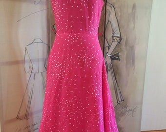 Beautiful Lina B pink daisy Maxi vintage dress frill neckline