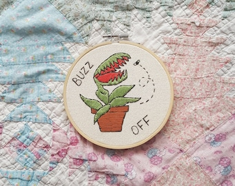 5 INCH HOOP Buzz Off Venus Fly Trap Embroidery