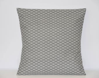 Pillow cover - 40 x 40 cm - waves pattern fabric - black and white - trendy Japanese style