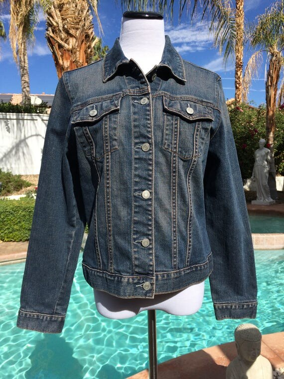 Gap Denim Jacket Vintage 90's with Metal Buttons,Size Large.