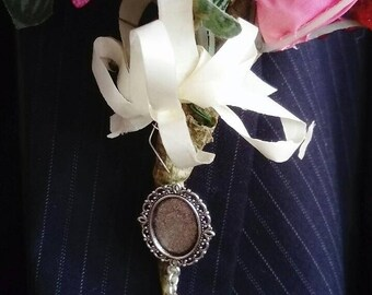 Handmade Stunning Ivory Bride/Groom Memory Brooch Oval Cameo Photo Frame