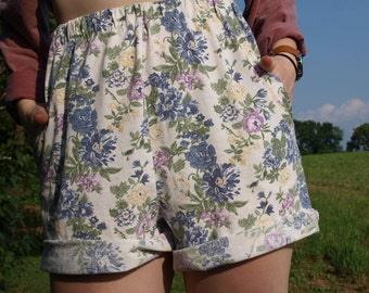 Vintage Homemade Cream Floral Printed Shorts with Pockets