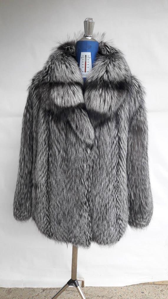 SiLVER FOX FuR coat FULL SKIN with colar-Vollhaut Silberfuchs Pelzmantel Pelzjacke mit Kragen-Giacca di pelliccia volpe piena con colletto