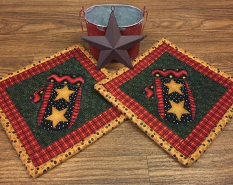 Pot Holders/Hot Pads/Winter Theme Pot Holders/Farmhouse Decor/Country Decor/Primitive Decor/Mittens/Handmade/Quilted Item #221