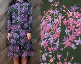 60s/70s hippie green dress with muted pink, purple florals / Japanese Vintage / Vintage dress / Collar dress / Pleats / Size XS-S