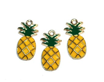 Pineapple Charms Yellow Enamel Pineapple Pendant Pineapple and Gold Tone Charm Tropical Fruit Charm Bracelet Charms 3 Pieces