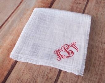 Custom Muslin Swaddle Blanket, Monogrammed Muslin Swaddle, Personalized Baby Blanket, White Blanket, Baby Swaddle Blanket, Nursing Cover