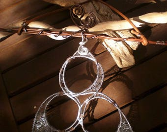 Hanging wood and aluminum