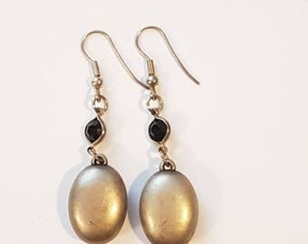 Pretty Vintage Silver Tone Drop Earrings With Sparkly Black Crystal Stone