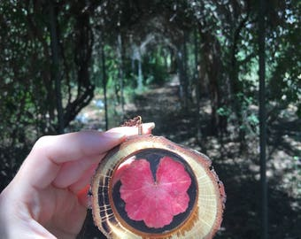 Red Heart, Real Leaf Necklace, Terrarium Jewelry, Resin Necklace, Botanical Pendants, Gift for Her