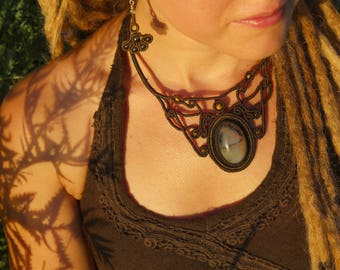 Earthy macramé necklace with peruvian opal