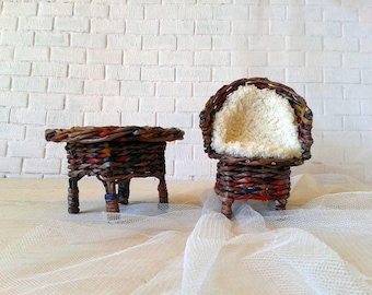 Superior doll house miniature, 12 inch, blythe or barbie size doll chair and table. Super doll house, 12 in tale.