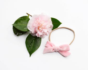 Baby Pink Velvet Bow | Velvet Baby Bows, Baby headband set, Baby bow Headbands, Small Bows, Baby Bows, Newborn headbands, Nylon Headbands,
