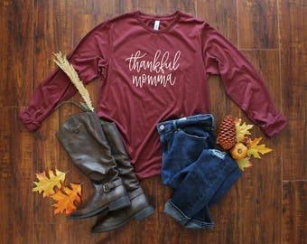 Thankful Momma Shirt - Fall Shirt for Mom - Thanksgiving Shirt - Holiday T-Shirt - Handlettered Design - Christmas Gift Shirt - Mom T-Shirt