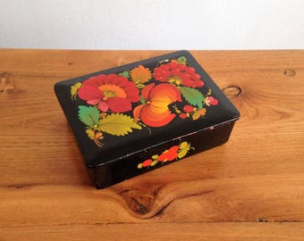 Antique paper mache box and hand painted lacquer - Russian-