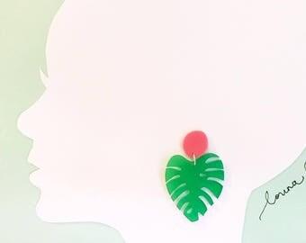 Monstera Dangle Earrings - Green/Pink