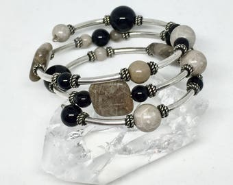 Petoskey stone and black onyx bracelet, Petoskey stone jewelry, fossil bracelet, Michigan bracelet, black beige bracelet, semiprecious stone